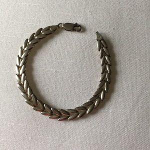 "Jewelry - Sterling silver herringbone bracelet 7"""